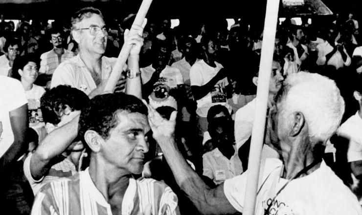 <strong> Trabalhadores rurais </strong> na plateia do Congresso do MST