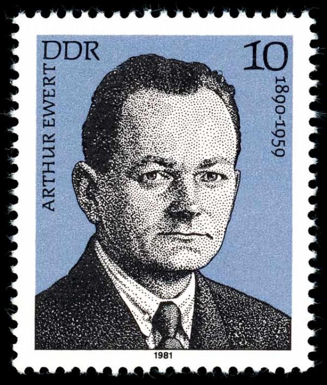 Arthur Ewert,  ex-deputado e ex-dirigente do Partido Comunista da Alemanha. Foi como Harry Berger, usando passaporte norte-americano, que veio ao Brasil, onde foi preso. Morreu em um sanatório alemão em 1959, sem jamais se recuperar das torturas sofridas nas prisões brasileiras. Em 1981, o governo da Alemanha Oriental o homenageou com um selo postal