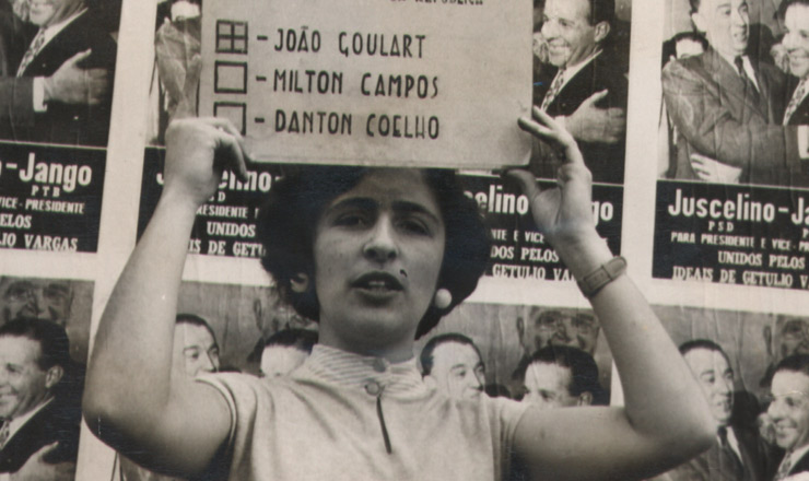 <strong> Nas elei&ccedil;&otilde;es presidenciais de 1955</strong> as mulheres finalmente votaram para presidente e passaram a declarar abertamente seu voto