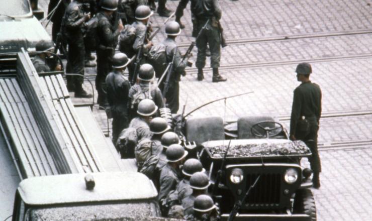 <strong> Ocupa&ccedil;&atilde;o militar na CSN, </strong> que terminaria com tr&ecirc;s oper&aacute;rios mortos e nove gravemente feridos