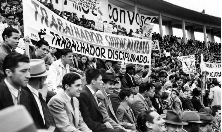 <strong> Comemora&ccedil;&atilde;o</strong> do Dia do Trabalho no Rio de Janeiro, em 1939