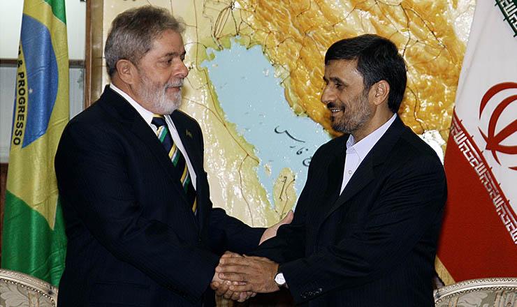 <strong> &nbsp;Lula cumprimenta&nbsp;Ahmadinejad, do Ir&atilde;: </strong> acordo que evita san&ccedil;&otilde;es&nbsp;