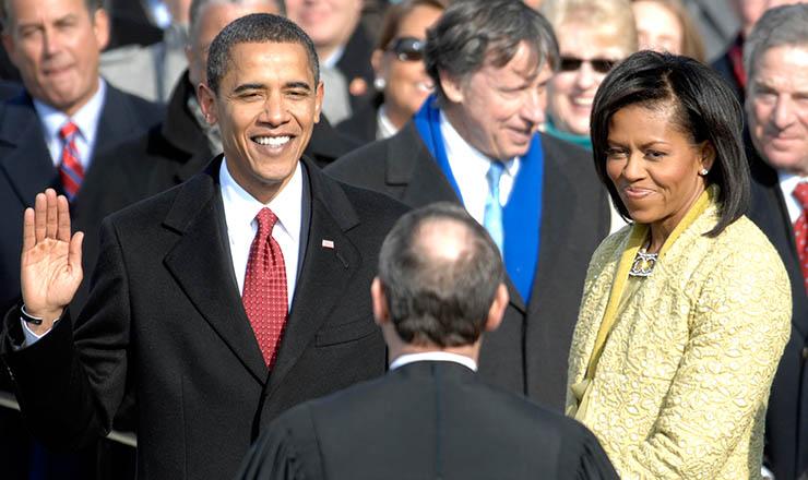 <strong> Barack Obama presta juramento:</strong> &nbsp;presidente negro e com sobrenome &aacute;rabe traz novos contornos ao cargo