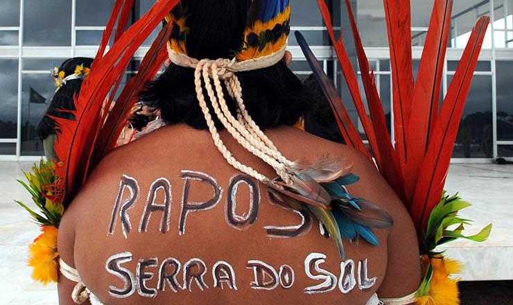 <strong> Índio defende</strong> homologação da Raposa Serra do Sol em frente ao prédio do STF
