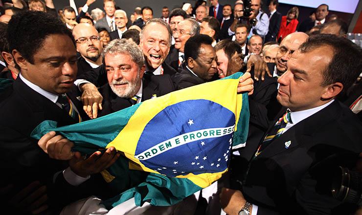 <strong> Comitiva brasileira</strong> em Copenhaguecomemora vitória do Rio na disputa para sediar Olimpíadas de 2016