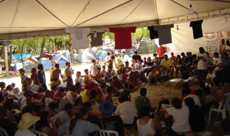 <strong> Plen&aacute;ria da&nbsp;fundação do MPL,</strong> &nbsp;durante o Fórum Social Mundial de 2005, em Porto Alegre