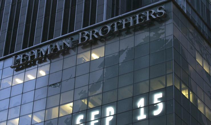 <strong> Pr&eacute;dio do Lehman Brothers no dia em que pediu concordata: </strong> crise global n&atilde;o poupa as maiores economias do mundo