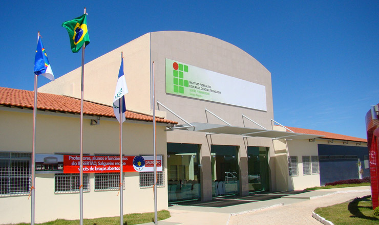 <strong> Escola t&eacute;cnica em Salgueiro, sert&atilde;o de PE: </strong> mudan&ccedil;a na legisla&ccedil;&atilde;o impulsiona a cria&ccedil;&atilde;o de 214 novas unidades no Brasil  &nbsp;