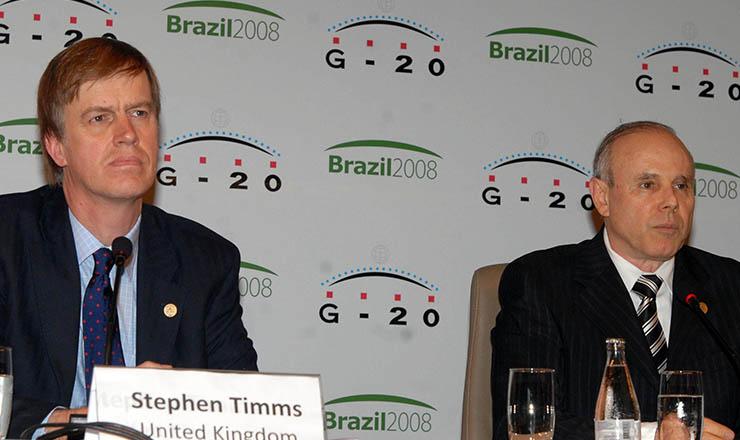 <strong> Timms (Reino Unido) e Mantega (Brasil): </strong> ministros da Fazenda do G-20 reunidos em São Paulo, 2008