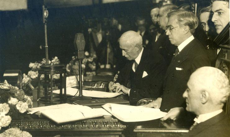 <strong> A Constitui&ccedil;&atilde;o de 1934 &eacute; promulgada: </strong> vida curta  &nbsp;  &nbsp;