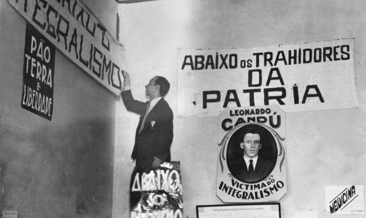 <strong> Pol&iacute;cia interdita&nbsp;sede</strong> da ANL no Rio de Janeiro, em 12 de&nbsp;julho de 1935&nbsp;