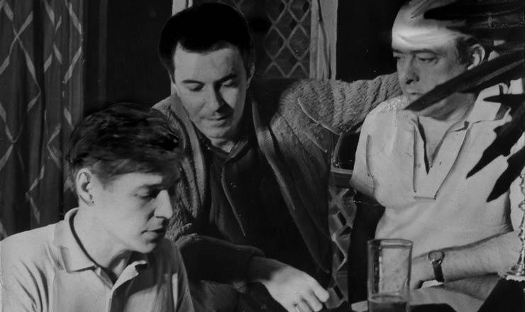 <strong> Tom Jobim, Jo&atilde;o Gilberto e Vin&iacute;cius de Moraes </strong> no Au Bon Gourmet, em 1962