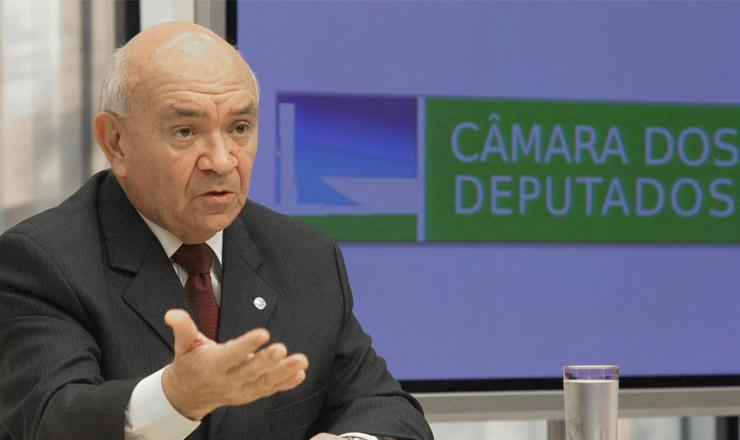 <strong> O novo presidente da C&acirc;mara dos Deputados, Severino Cavalcanti, concede </strong> entrevista em Bras&iacute;lia