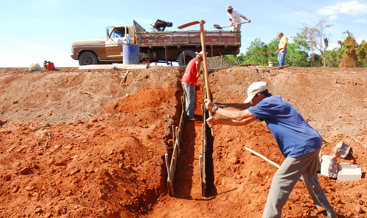 <strong> Obras de recupera&ccedil;&atilde;o da rodovia BR 070</strong> entre Aparecida do Rio Claro e Aragar&ccedil;as, em Goi&aacute;s