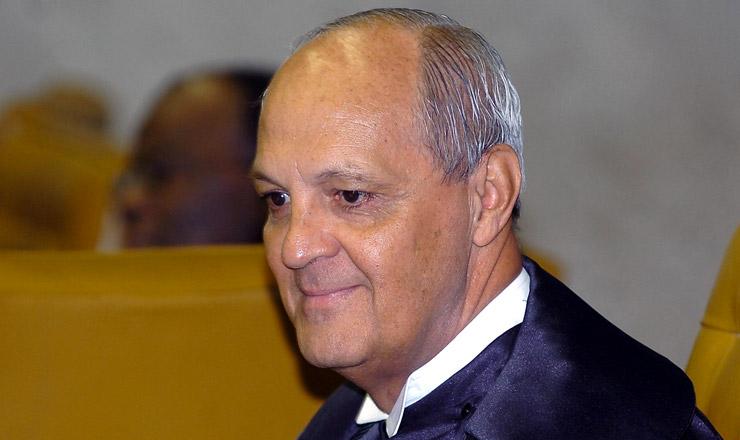 <strong> Ministro Carlos Alberto Menezes Direito, do STF, </strong> que propôs condições para regular a demarcação de futuras terras indígenas (foto de março de 2007)