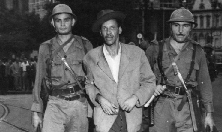 <strong> Um dos 300 mil grevistas &eacute; preso </strong> no centro de S&atilde;o Paulo