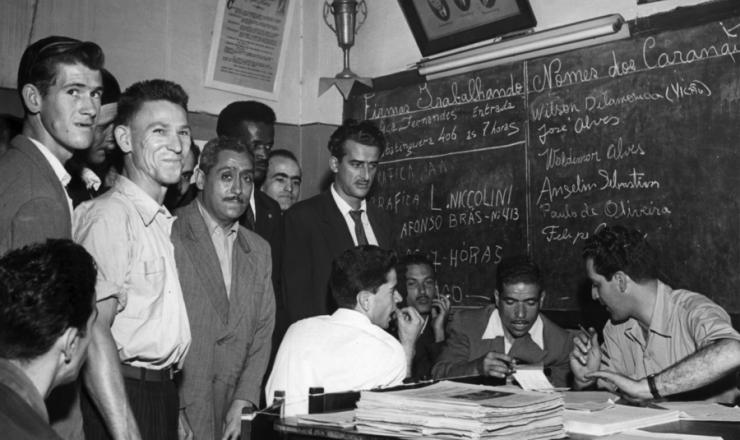 <strong> Comando de greve se reúne </strong> em São Paulo, durante a paralisação de outubro de 1957