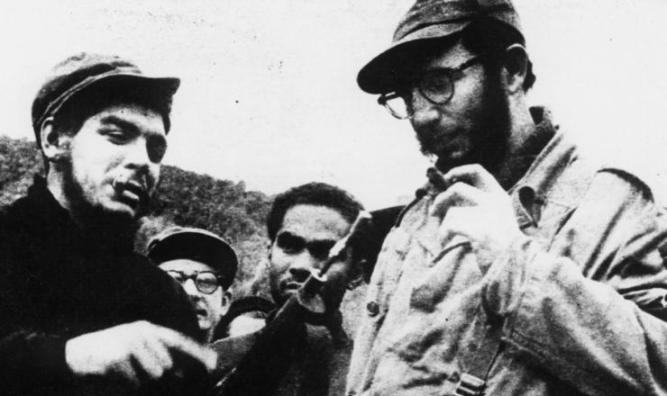 <strong> Che Guevara e Fidel Castro</strong> na serra Maestra, durante a Revolução Cubana