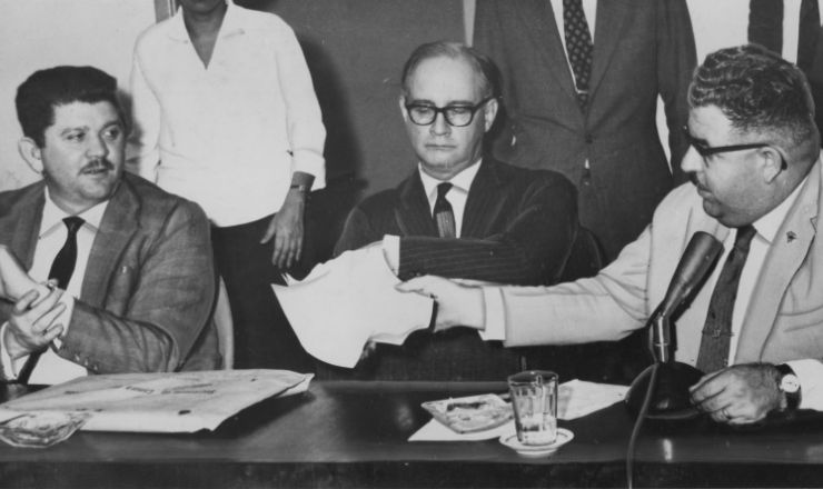 <strong> Rubens Paiva (1&ordm; &agrave; esq.) e Benedito Cerqueira (1&ordm; &agrave; dir)</strong> durante a CPI do Ibad