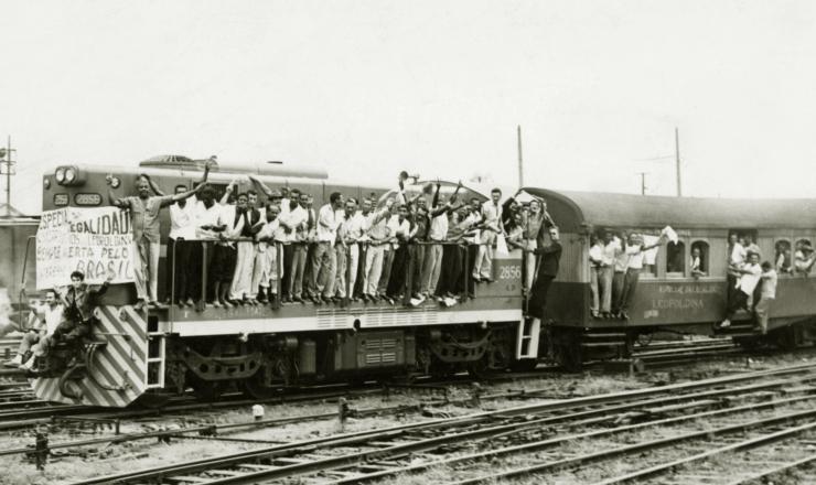 <strong> O &quot;trem da legalidade&quot; comemora</strong> a posse de Jango, em 7 de setembro de 1961