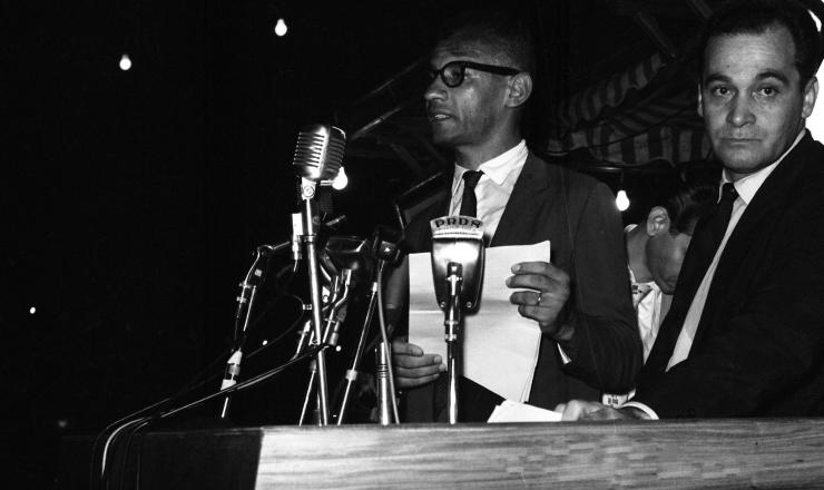 <strong> Lyndolpho Silva </strong> no comício da Central do Brasil (Rio de Janeiro) em março de 1964