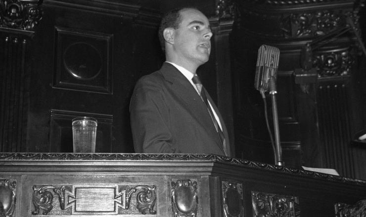 <strong> O deputado Fernando Ferrari </strong> (MTR-RS), autor do projeto que redundaria no Estatuto do Trabalhador Rural, em foto de 1956