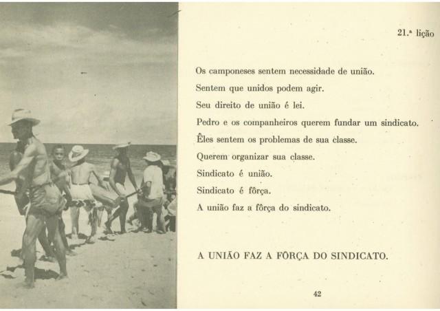 """Cartilha """"Viver é Lutar""""  publicada em 1963"""