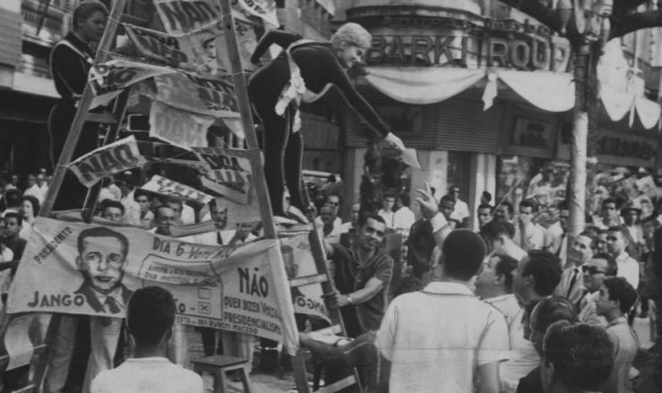 <strong> Campanha no Rio de Janeiro pede </strong> a volta ao presidencialismo, em janeiro de 1963