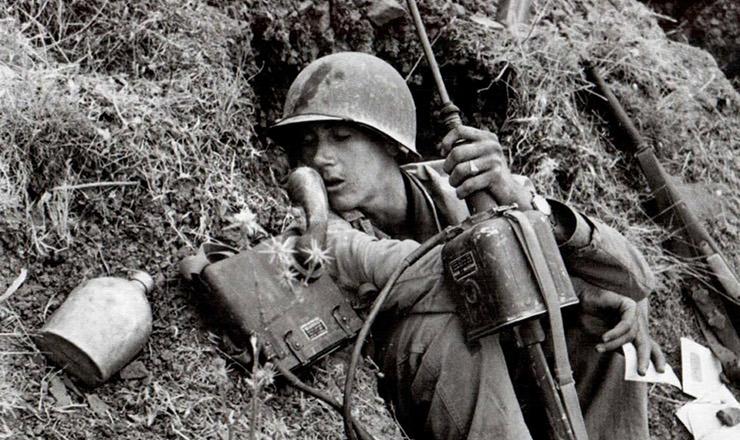 <strong> Soldado dos EUA </strong> pr&oacute;ximo a Troina, Sic&iacute;lia, agosto de 1943