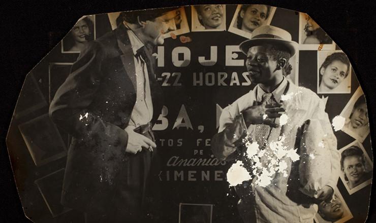 <strong> Grande Otelo atuando</strong> no filme &quot;Tamb&eacute;m Somos Irm&atilde;os&quot;, que Jos&eacute; Carlos Burle dirigiu em 1949