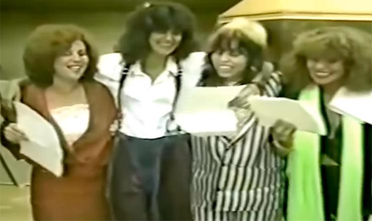 """As cantoras Beth Carvalho, Simone, Baby Consuelo e Elba Ramalho durante gravação da música """"Chega de Mágoa"""", de 1985"""
