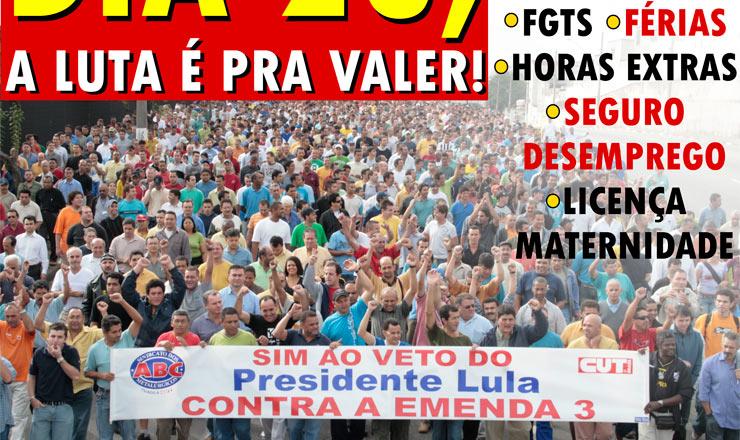 <strong> Panfleto distribu&iacute;do pela Central &Uacute;nica dos Trabalhadores (CUT)</strong> , com foto da manifesta&ccedil;&atilde;o do dia 10 de abril contra a Emenda 3