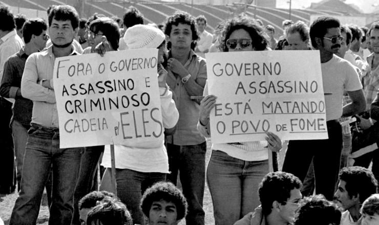 <strong> Manifestação contra a política econômica</strong> em São Bernardo do Campo (SP)