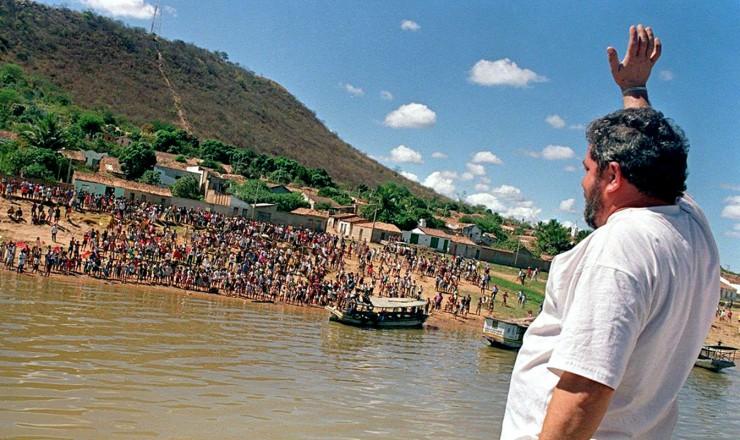 <strong> Em Morpar&aacute;,</strong> um dos munic&iacute;pios mais pobres da Bahia ao qual s&oacute; se chega de barco  &nbsp;  &nbsp;