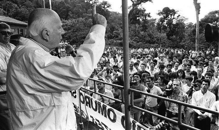 <strong> O peemedebista&nbsp;Ulysses Guimar&atilde;es, </strong> candidato mais experiente das elei&ccedil;&otilde;es presidenciais de 1989, em campanha  &nbsp;