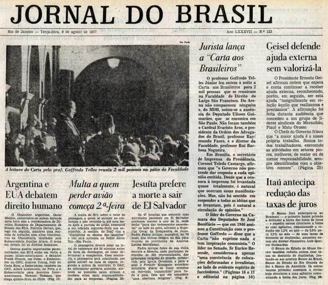 """A capa do """"Jornal do Brasil"""" dá destaque ao manifesto de Goffredo da Silva Telles Jr. e mostra a repercussão no governo"""