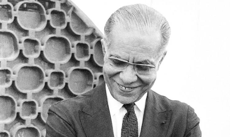 <strong> Josué de Castro, </strong> embaixador do Brasil na ONU e estudioso da questão da fome, morreu no exílio