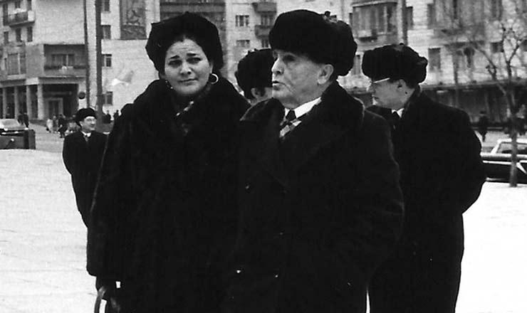 <strong> Luís Carlos Prestes </strong> e Maria Ribeiro, sua companheira, durante o exílio em Moscou<br />