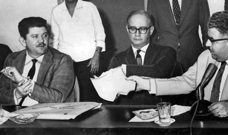 <strong> Na CPI do Ibad, em 1963, </strong> Rubens Paiva (&agrave; esq.) e o deputado Benedito Cerqueira (&agrave; dir.)&nbsp;