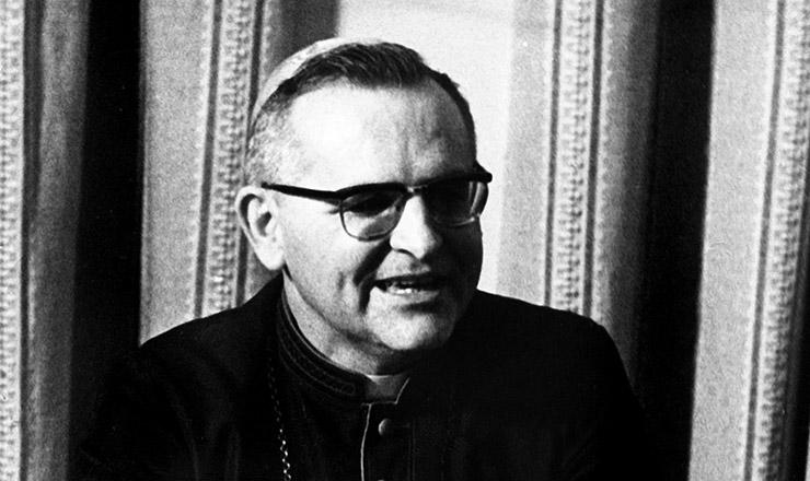 <strong> Dom Paulo Evaristo Arns,</strong> em 1974; no Natal daquele ano, o arcebispo de São Paulo sugeriu a várias organizações a articulação de uma campanha pela anistia
