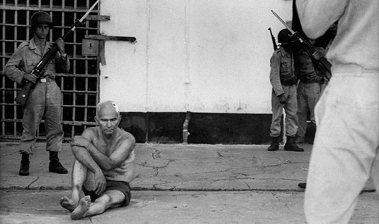 <strong> Greg&oacute;rio Bezerra preso </strong> no Quartel de Casa Forte, Recife, ap&oacute;s o golpe de 1964&nbsp;