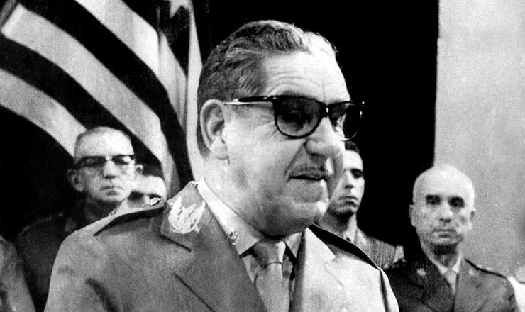 <strong> O general Costa e Silva, </strong> que viria a ser ministro do Ex&eacute;rcito de Castelo Branco e, posteriormente, seu sucessor na Presid&ecirc;ncia da Rep&uacute;blica, em foto de 1964