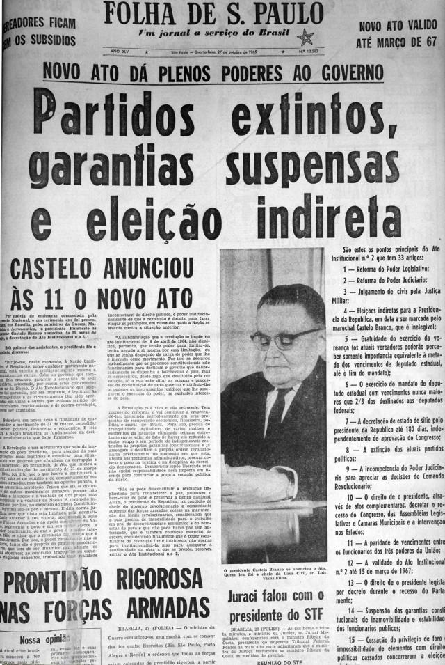 """O jornal """"Folha de S.Paulo"""",de 27 de outubro de 1965, traz manchete com os principais pontos do AI-2"""