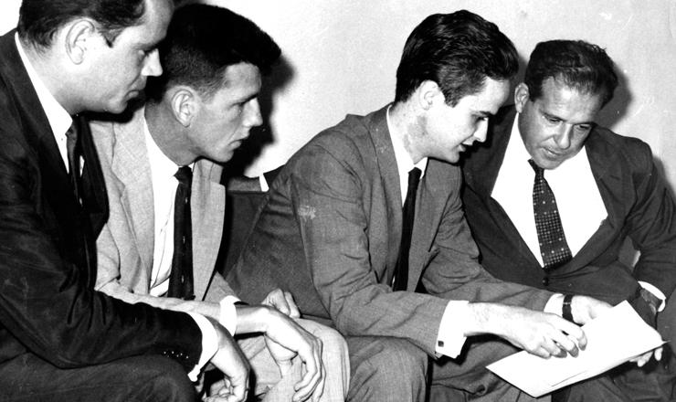 <strong> Vinicius Caldeira Brant, </strong> presidente da UNE, ao lado de Jo&atilde;o Goulart, em 1963&nbsp;