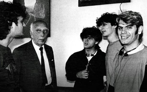 O encontro entre Ulysses Guimarães, a maior liderança política da resistência civil, e os integrantes do grupo Ultraje a Rigor, é indicadora de como o movimento musical que surgiu em garagens conseguiu se fazer escutar por todo país.