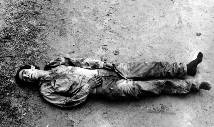 <strong> Carlos Lamarca </strong> assassinado pelo Exército no sertão da Bahia<strong> </strong>