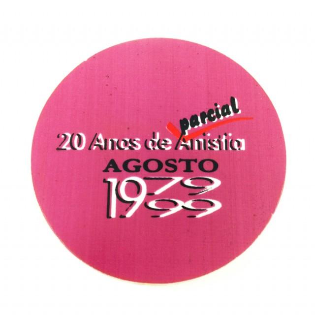 Button de 1999 relembra os 20 anos de anistia parcial