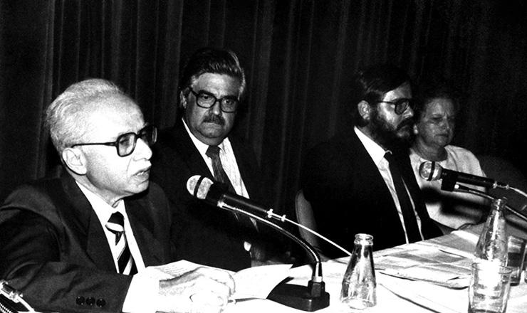 <strong> O historiador Jacob Gorender&nbsp;</strong> fala sobre Karl Marx na passagem do centen&aacute;rio da morte do fil&oacute;sofo alem&atilde;o, em novembro de 1983&nbsp;