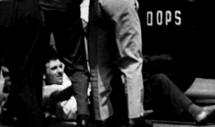 <strong> Agentes do Dops reprimem </strong> manifestante em&nbsp;passeata em S&atilde;o Paulo, outubro de 1968&nbsp;