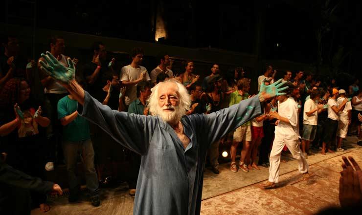 <strong> Jos&eacute; Celso Martinez Corr&ecirc;a interpreta </strong> Ant&ocirc;nio Conselheiro&nbsp;na montagem de &quot;A Terra&quot;, no Teatro Oficina  &nbsp;
